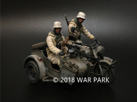 BMW R75 with 2 soldiers